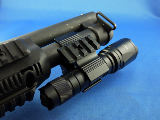 Fenix Tactical Universal Mount
