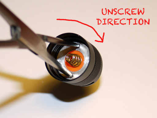 How to unscrew tailcap